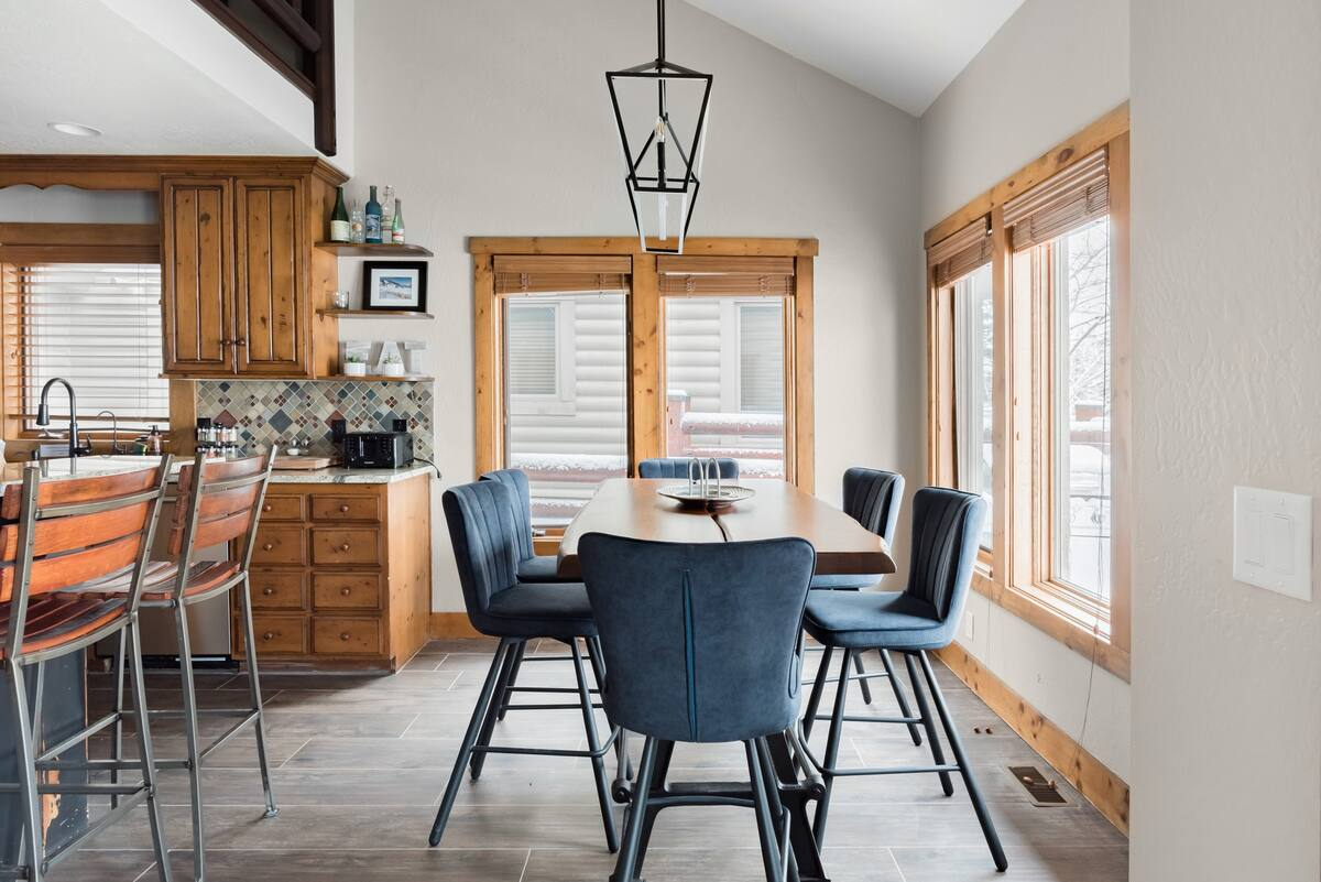 Ski Deer Valley From a Rustic-Modern Townhome in Park City
