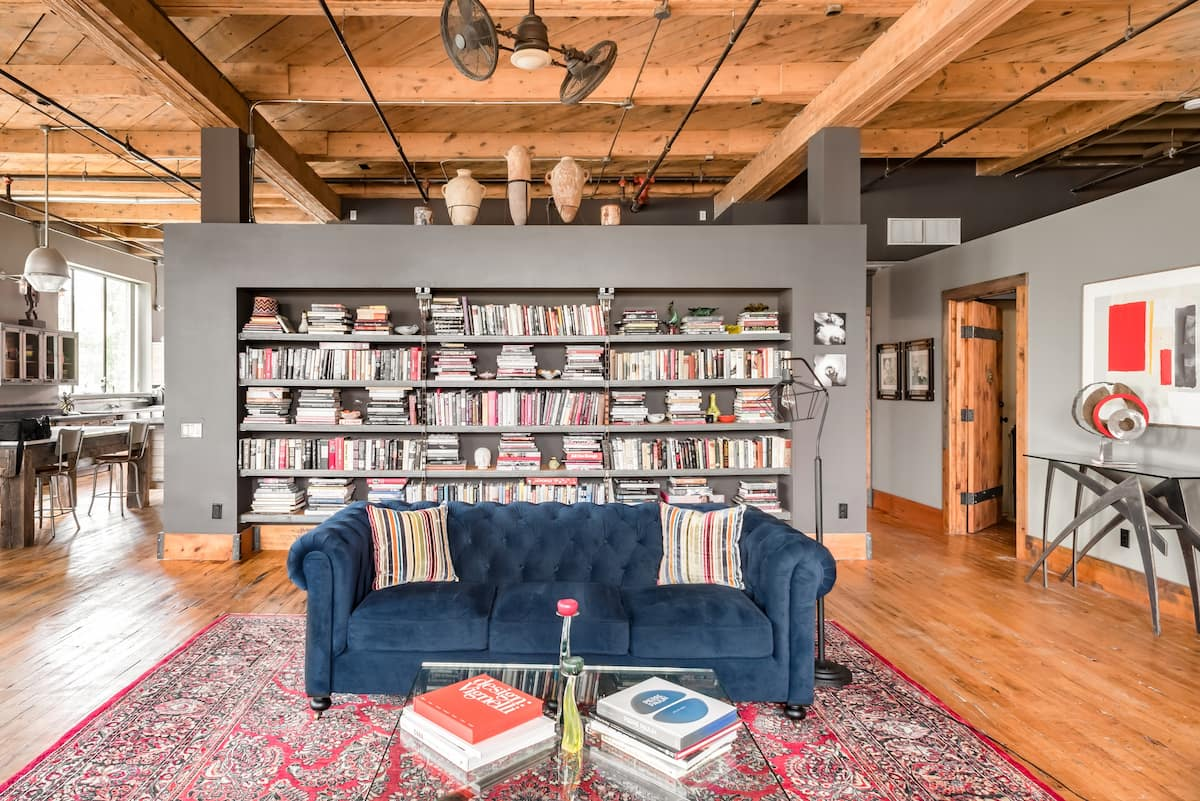Country-Style Loft in Revamped Cigar Box Factory