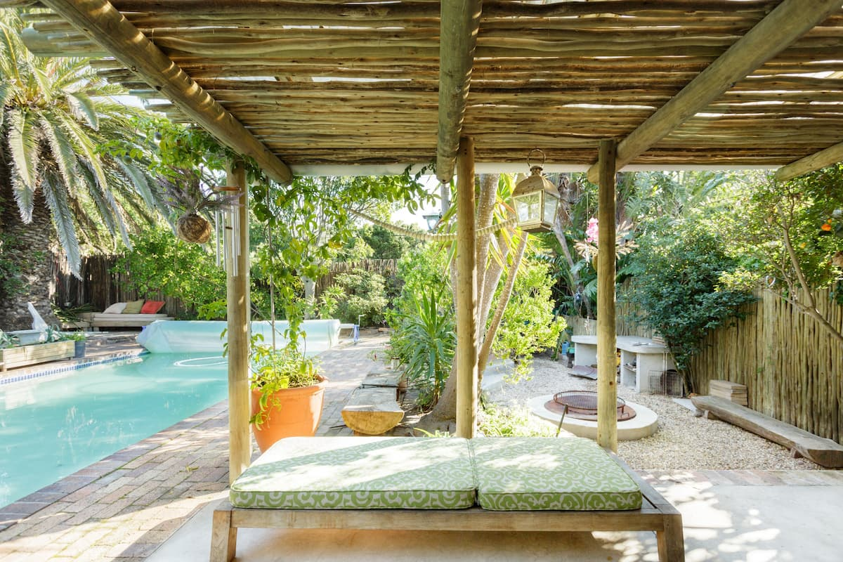 Lemon Tree Studio with Deck, Kommetjie, Cape Town