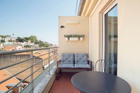 Top Floor Apartment with Terrace & Views at Liberty Avenue