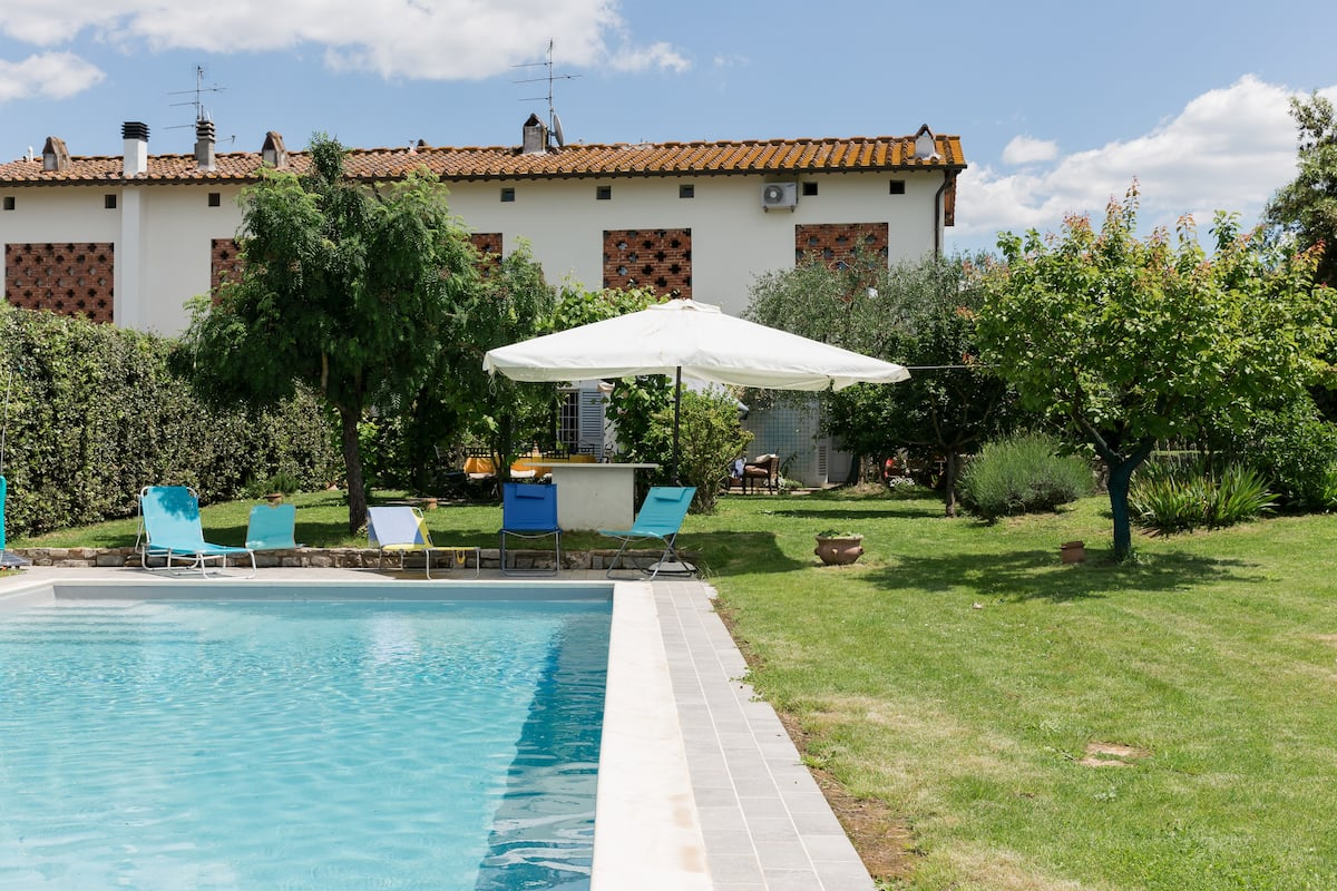 Country House With Pool and Aircon 5 Kilometers From City