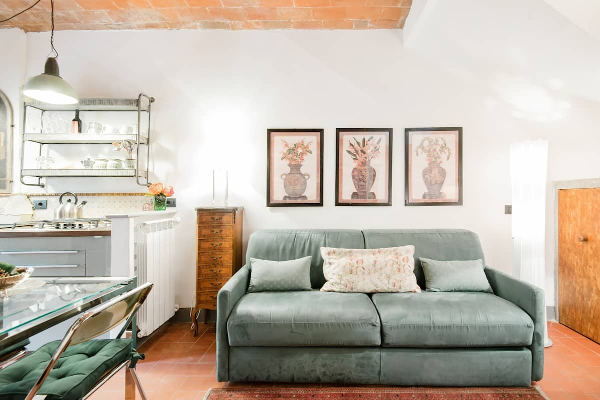 Mirabilia-Storico appartamento in edificio medioevale a due passi dal Duomo