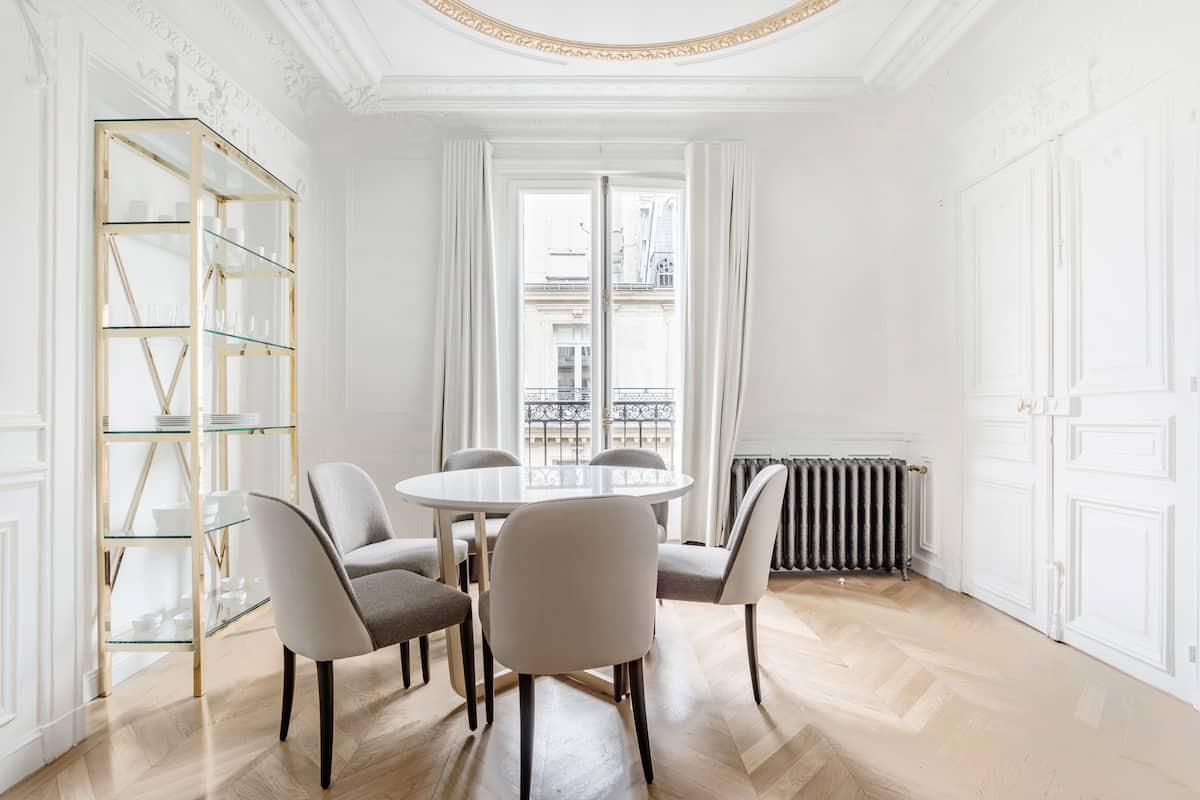 Somptueux appartement à quelques mètres des Champs-Élysées
