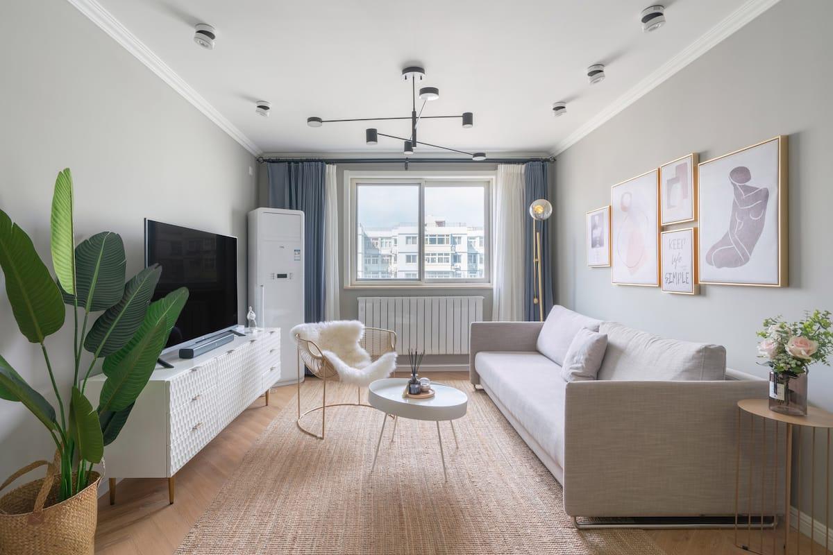 洁癖设计师楠哥的六号家,十一月起全屋提前供应暖气,南向三居室高层带电梯,近地铁,十分钟到天安门、故宫