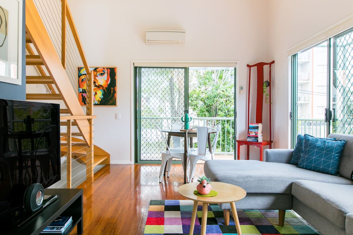 No Cleaning Fee, Early Arrival, Trendy Living near the Water