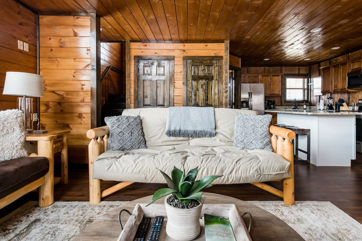 Designer Cabin Getaway with a Hot Tub Near Dollywood
