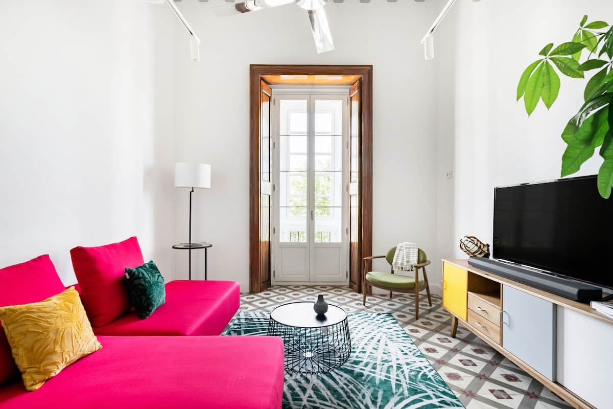 Spacious, Arty Apartment With Views of the Port and Sea