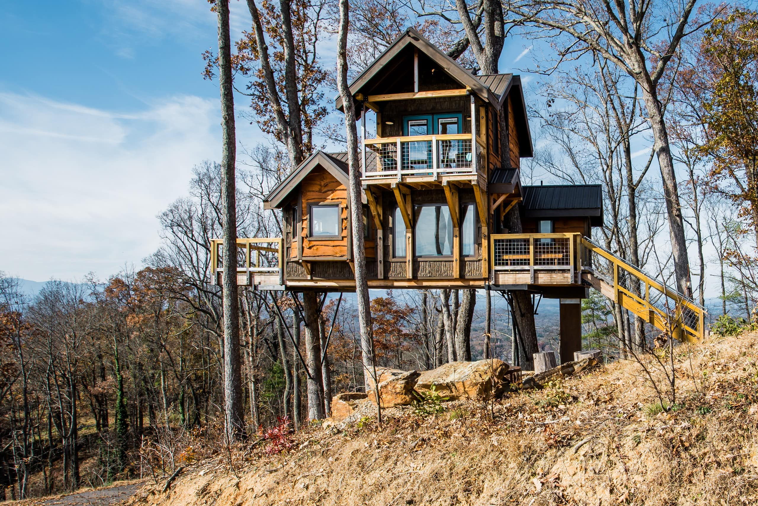 sanctuary treehouse asheville north carolina airbnb