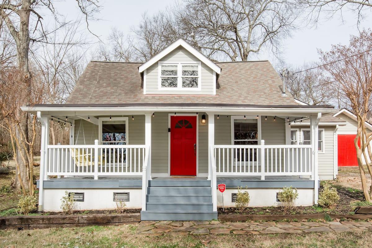 Nashville Luxury-Scandinavian Ranch with Big Backyard.