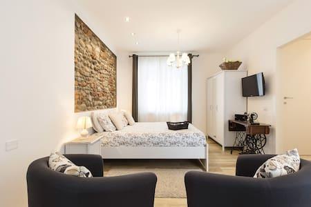 Appartamento di Stile vicino Malpensa con Navetta Gratuita
