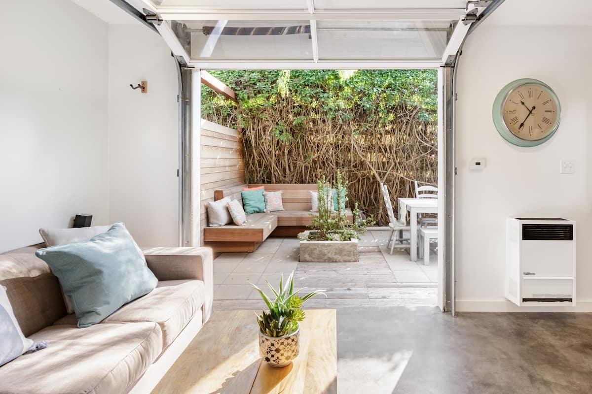 Refurbished Indoor/Outdoor Sanctuary in Ocean Beach