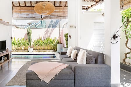 2BD Villa Nadin in the center of Seminyak