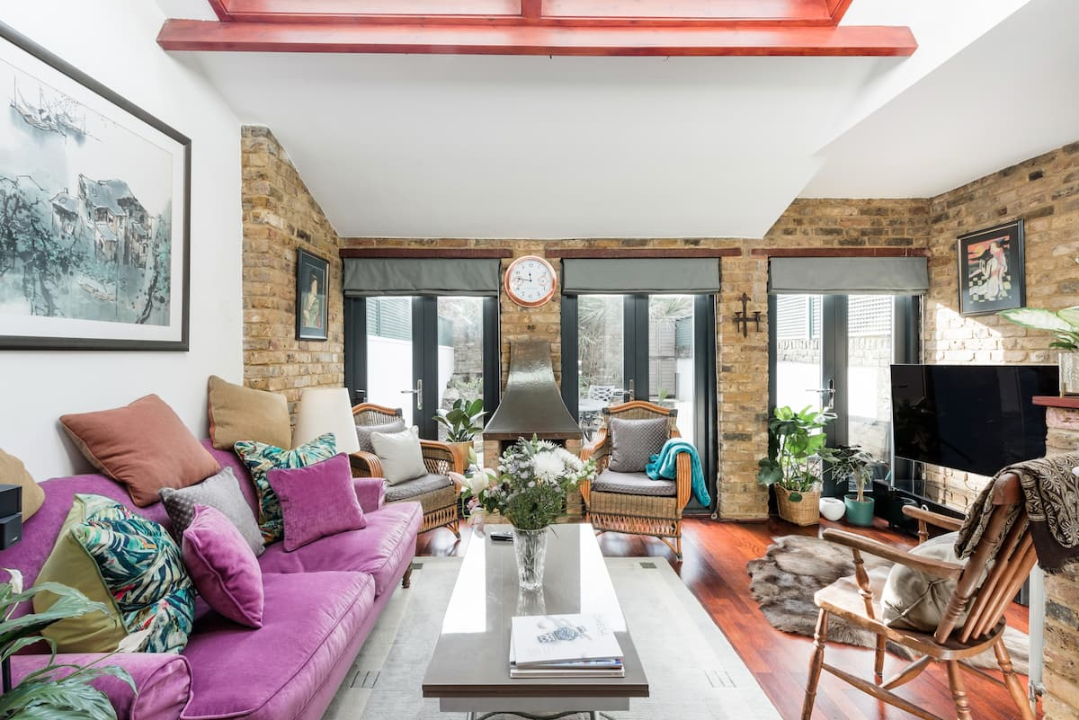 Large Room in Smartly Remodelled Flat, Vauxhall Park