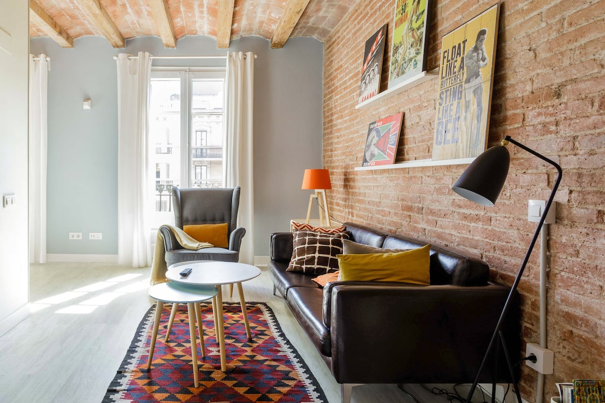 Vintage-Inspired Apartment near Passeig de Gracia