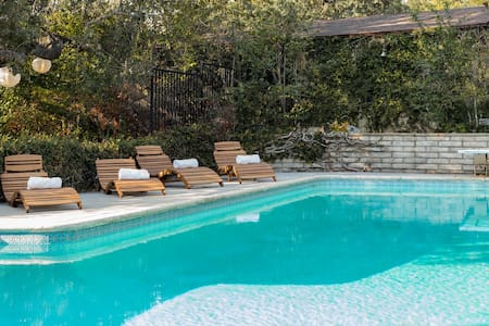 Sleep Under the Stars in a Pasadena Resort Home with Pool