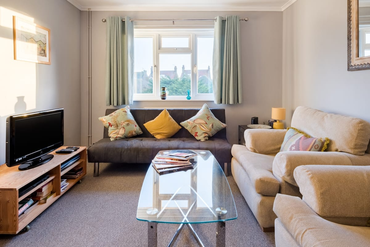 Bike to Minnis Bay from a Serene Seaside Apartment