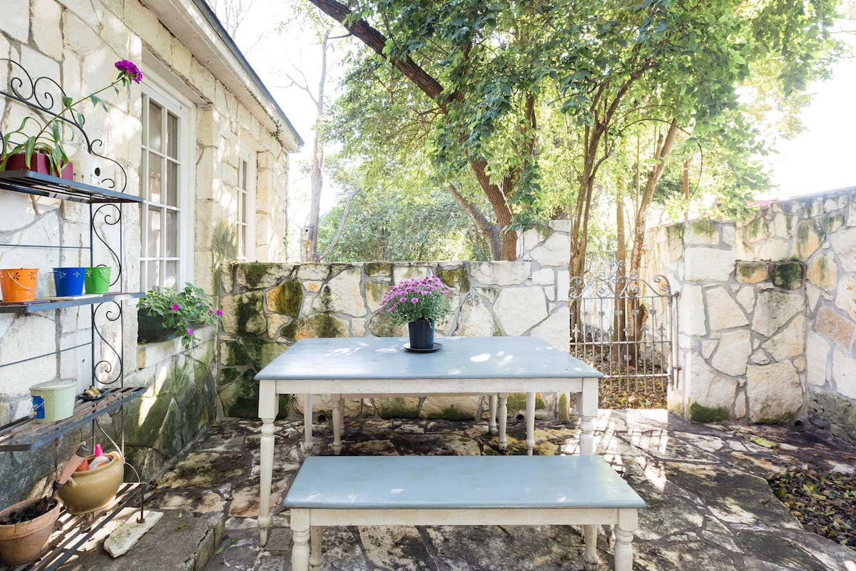 Historic Moorish-Style Cottage near Trendy South Congress