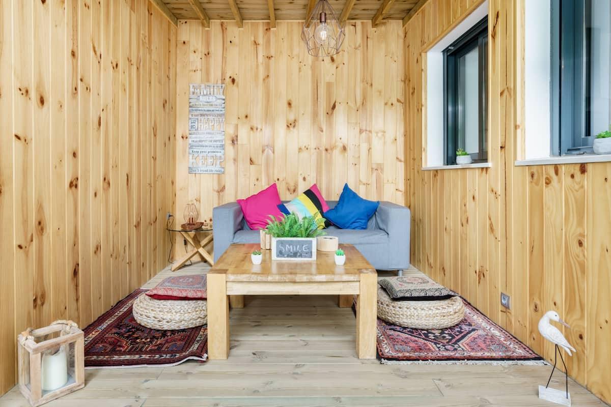 Cálido y acogedor apartamento con patio en el centro de Torremolinos