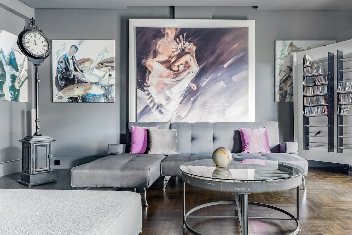 Admire Large-Scale Artwork at a Slick City Residence