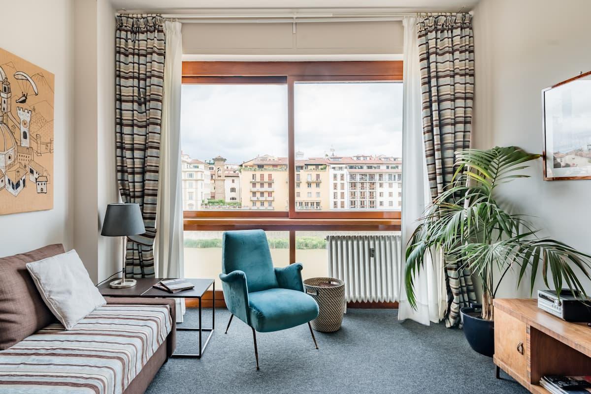 Appartamento con vista indimenticabile sul fiume Arno e i suoi ponti più famosi