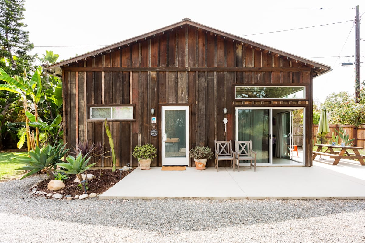 Rustic Guesthouse Overlooking Canyon Park