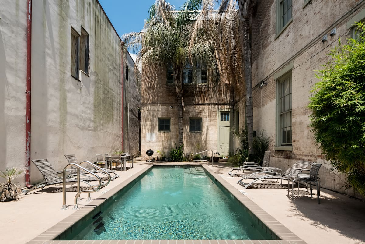 Historic Condo with Pool near Museums and Magazine St