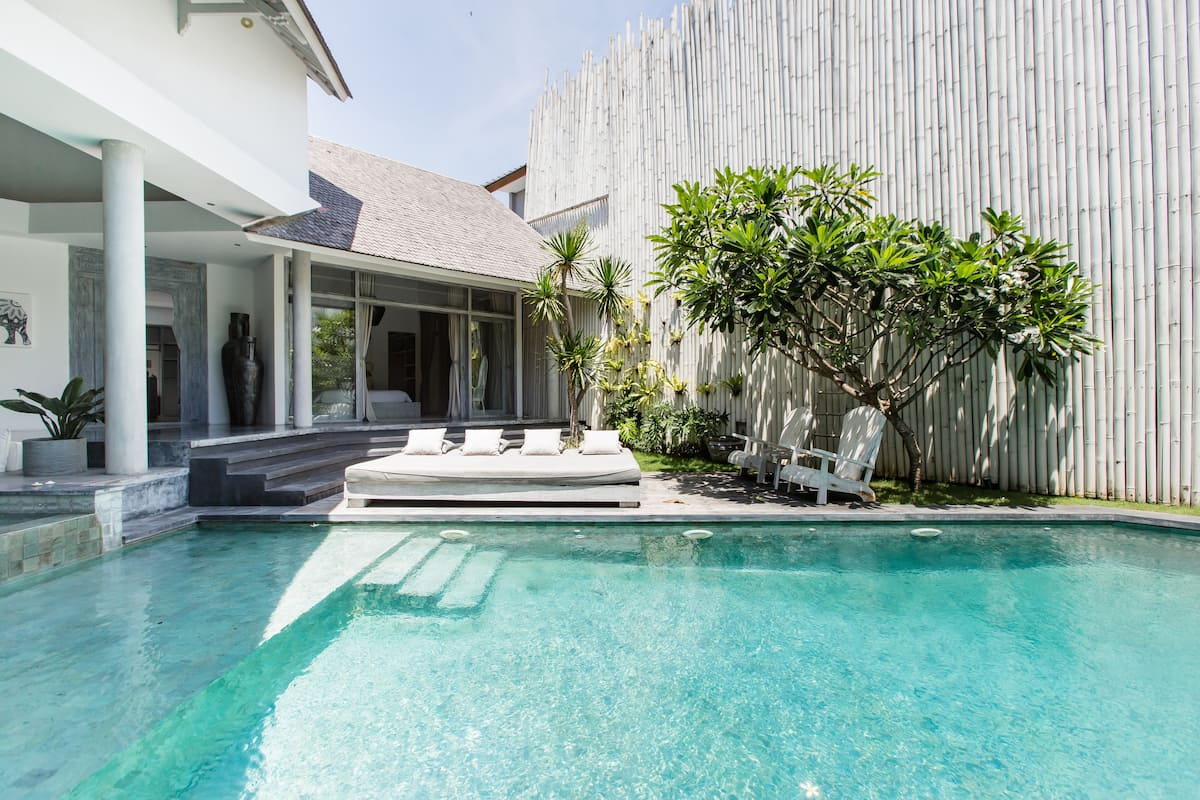Chill Out in the Stunning Villa Mistral near Canggu