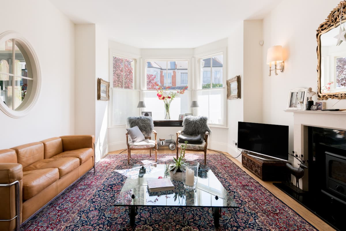 Classic English Suite in Richmond Upon Thames