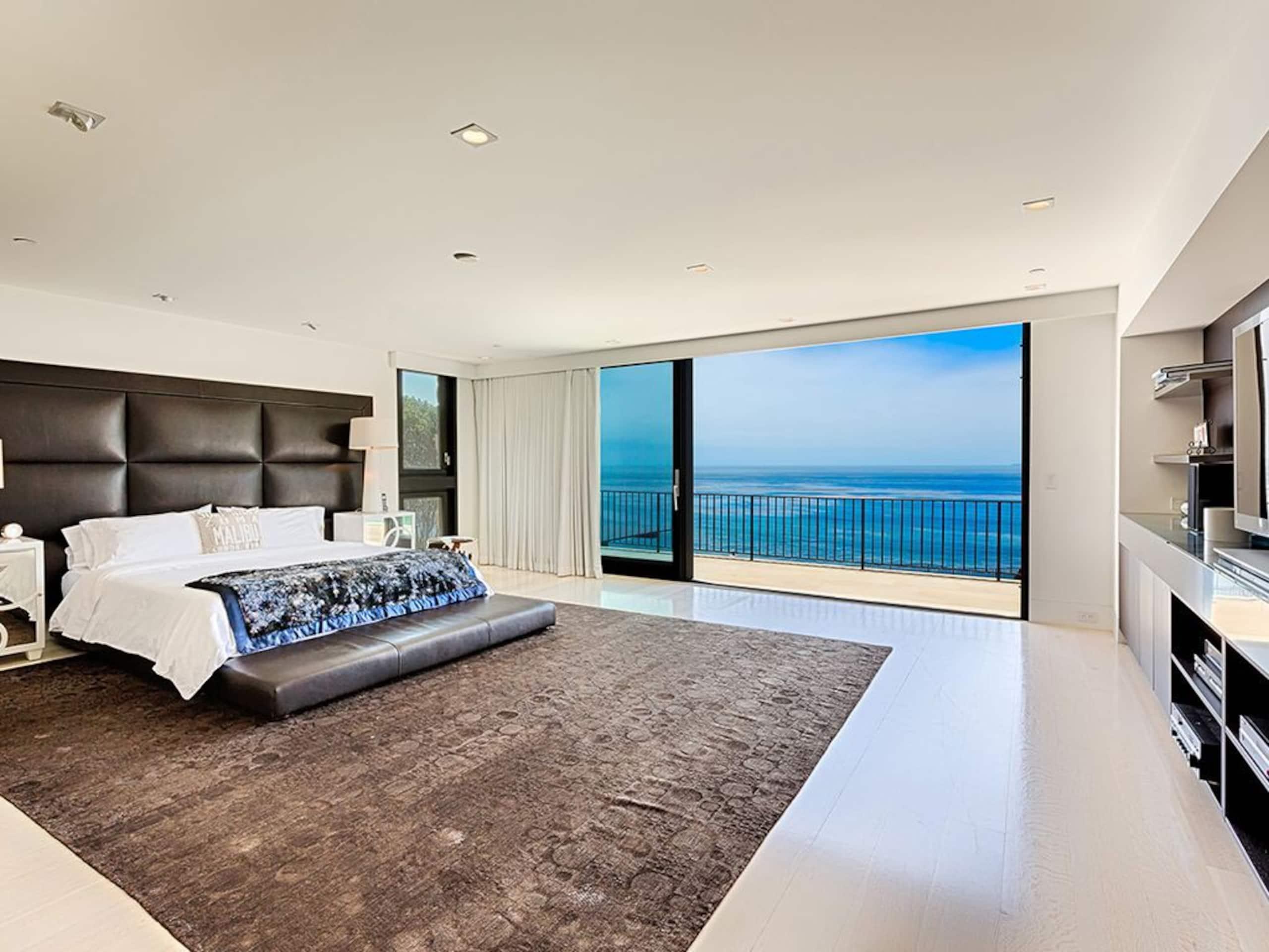 Apartment Villa Camden with Infinity Pool  Lawn  Gardens photo 20329251