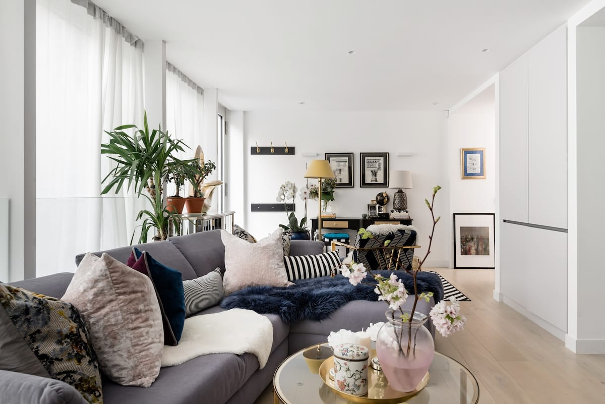 Embrace the Chelsea Lifestyle in a Beautifull Home