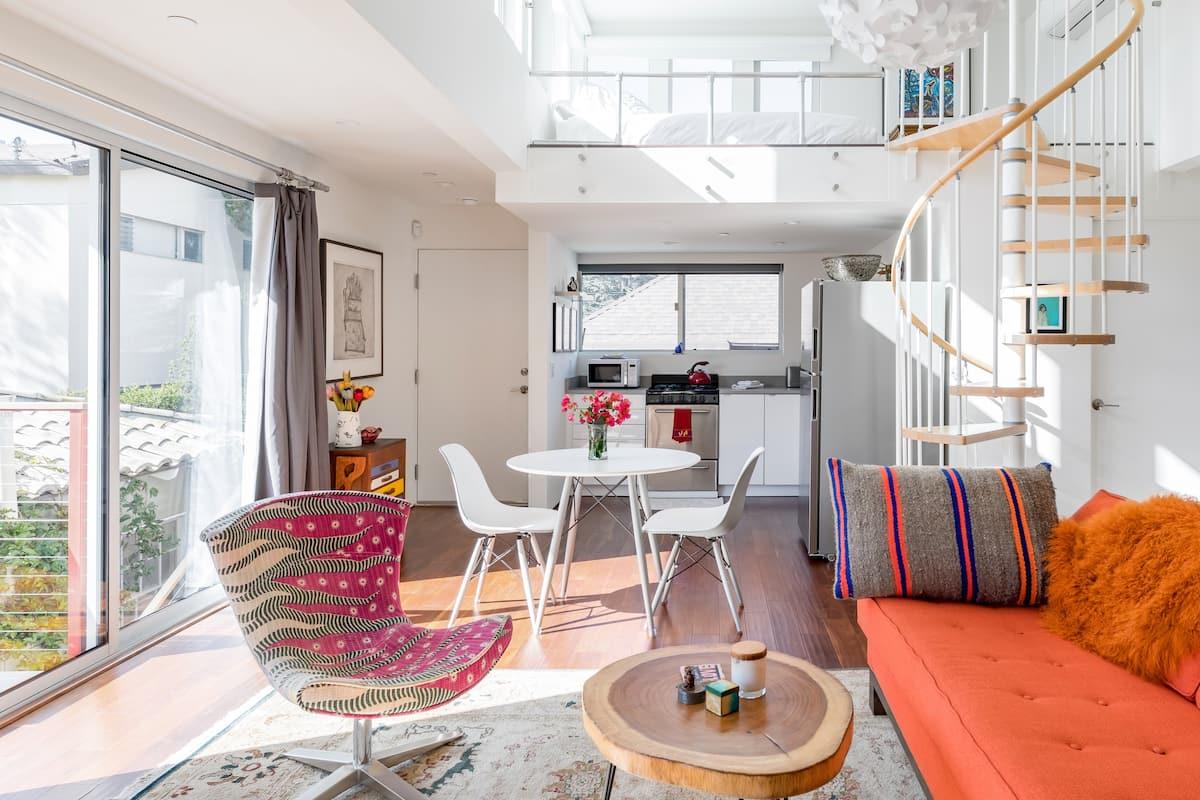 Santa Monica Studio Loft a Single Block From Montana Avenue