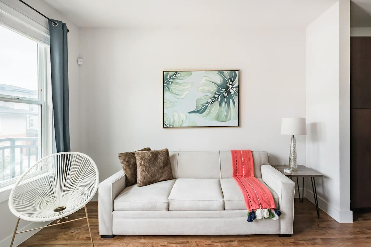 Explore South Town Apartment Near the River Walk