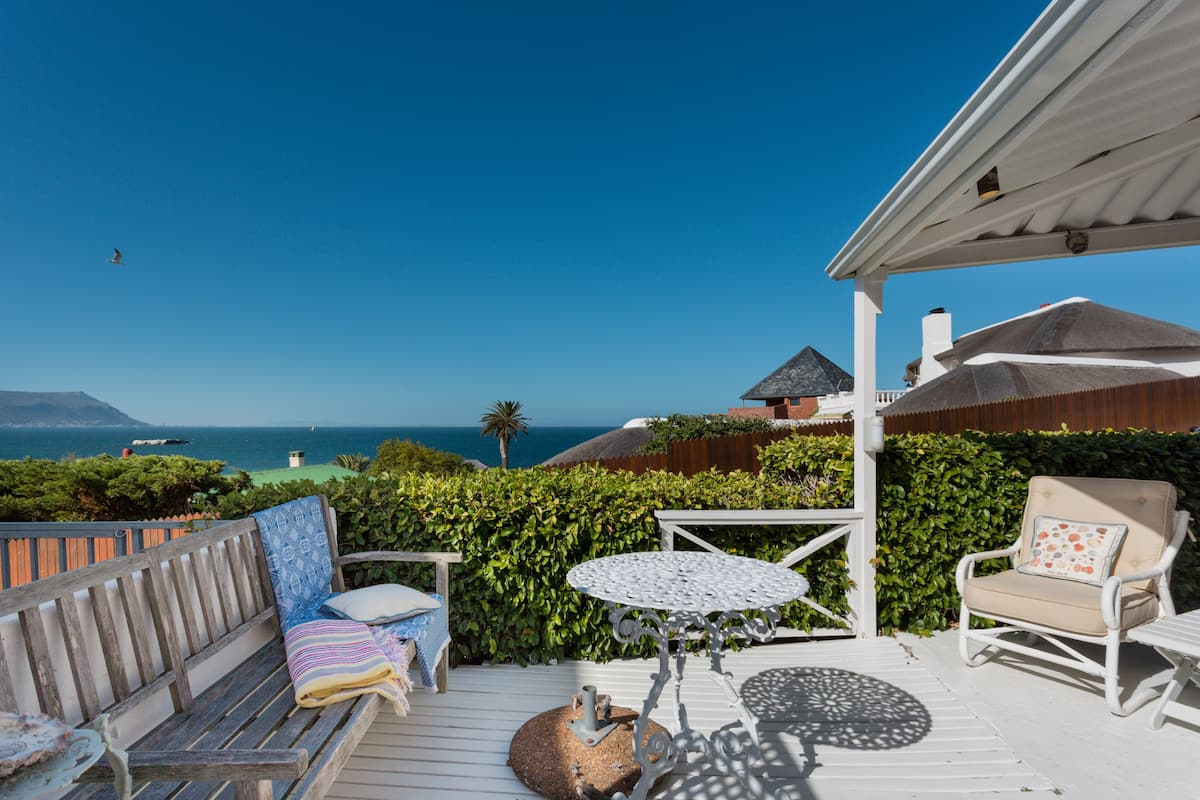 Breathe the Ocean Air at a Charming Beach Cottage