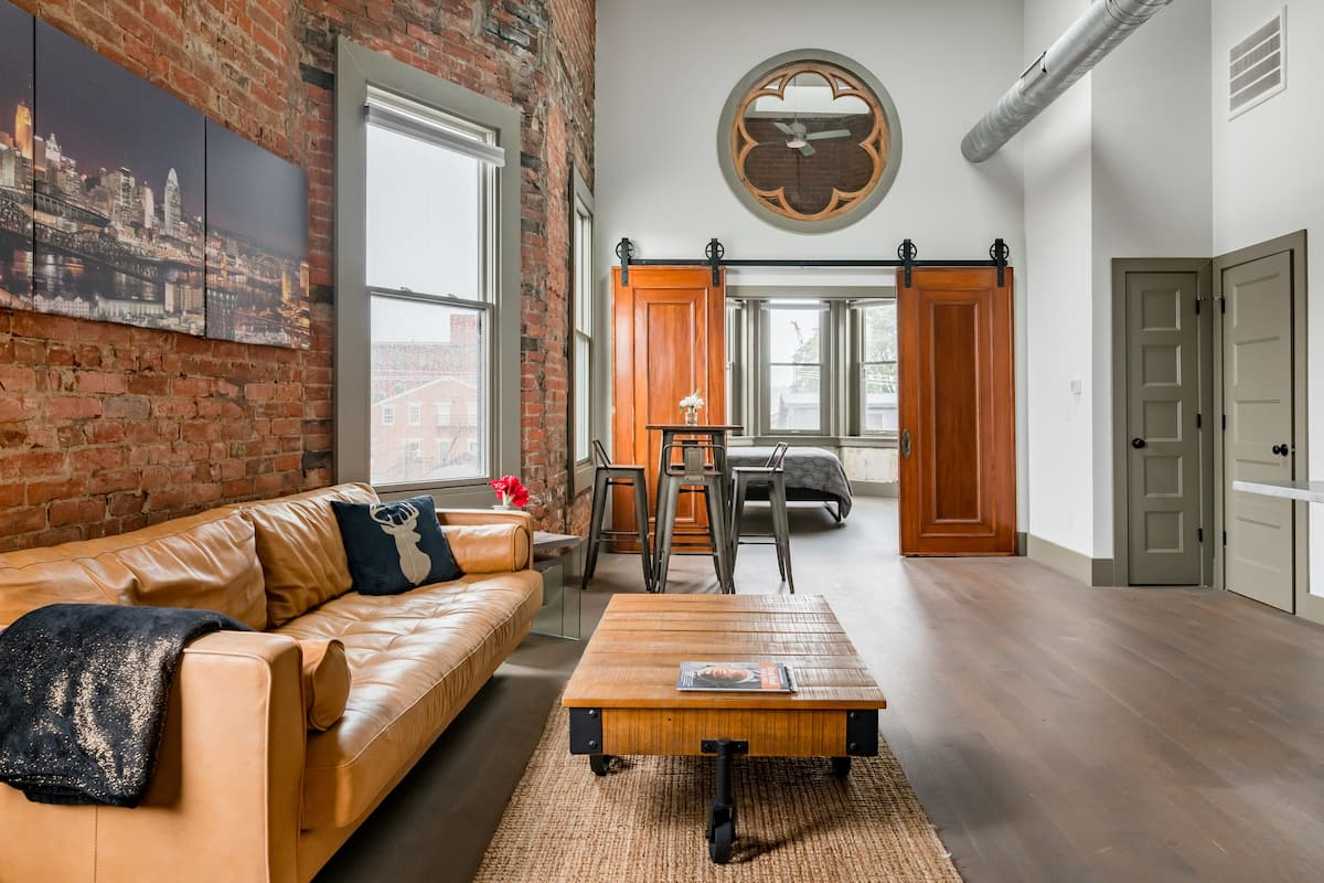 Tour Cincinnati from a Stunning Loft Condo