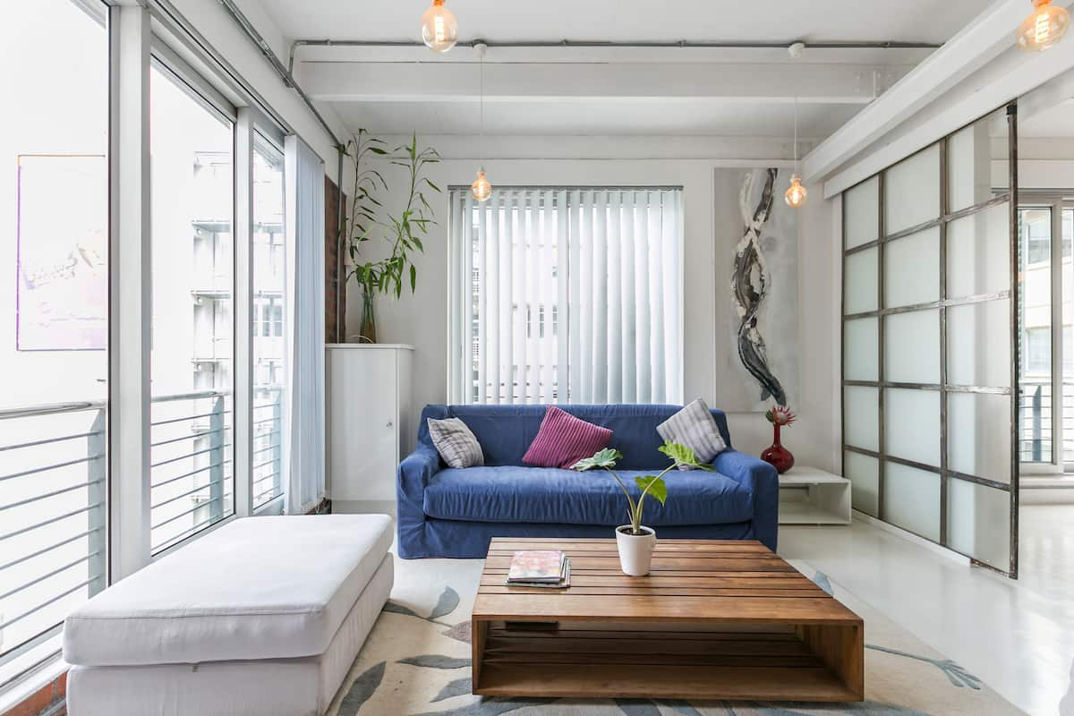 Relax, Explore the City in a Designer City Living Apartment in Heart of Cape Town City
