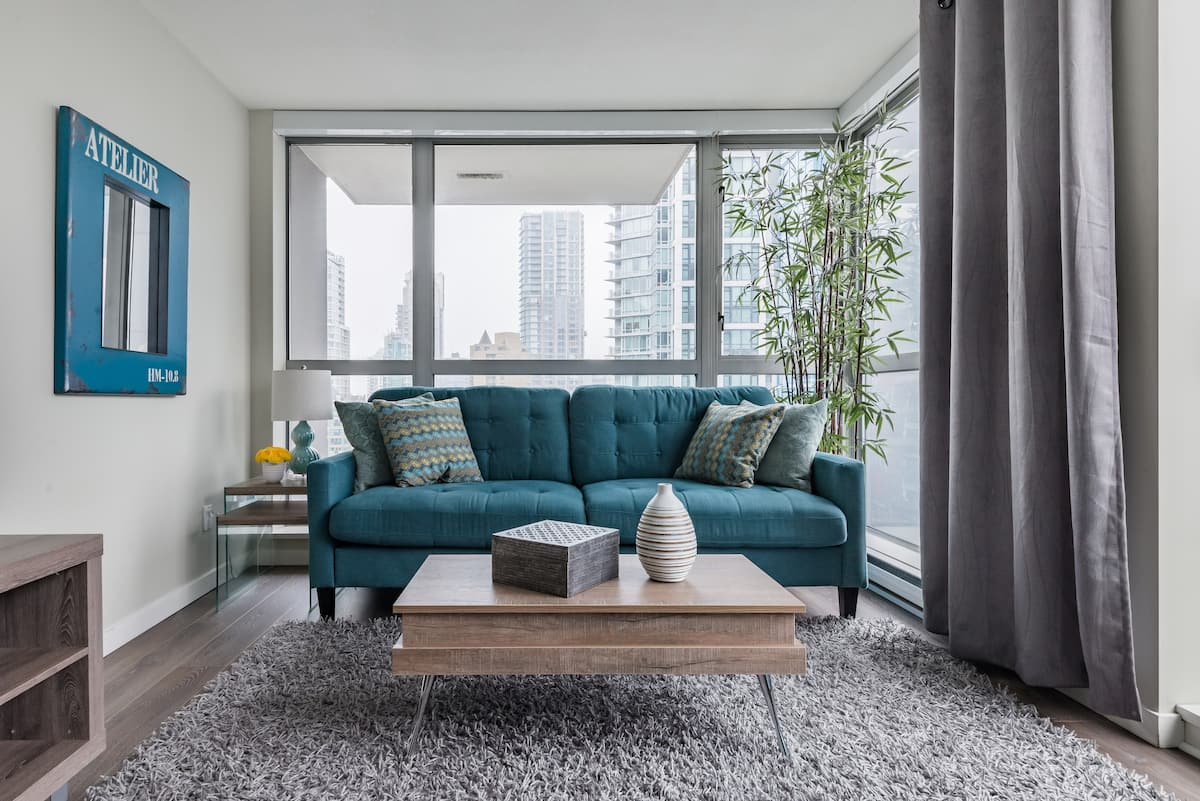 O1 - High Rise Yaletown Condo with City and Park Views