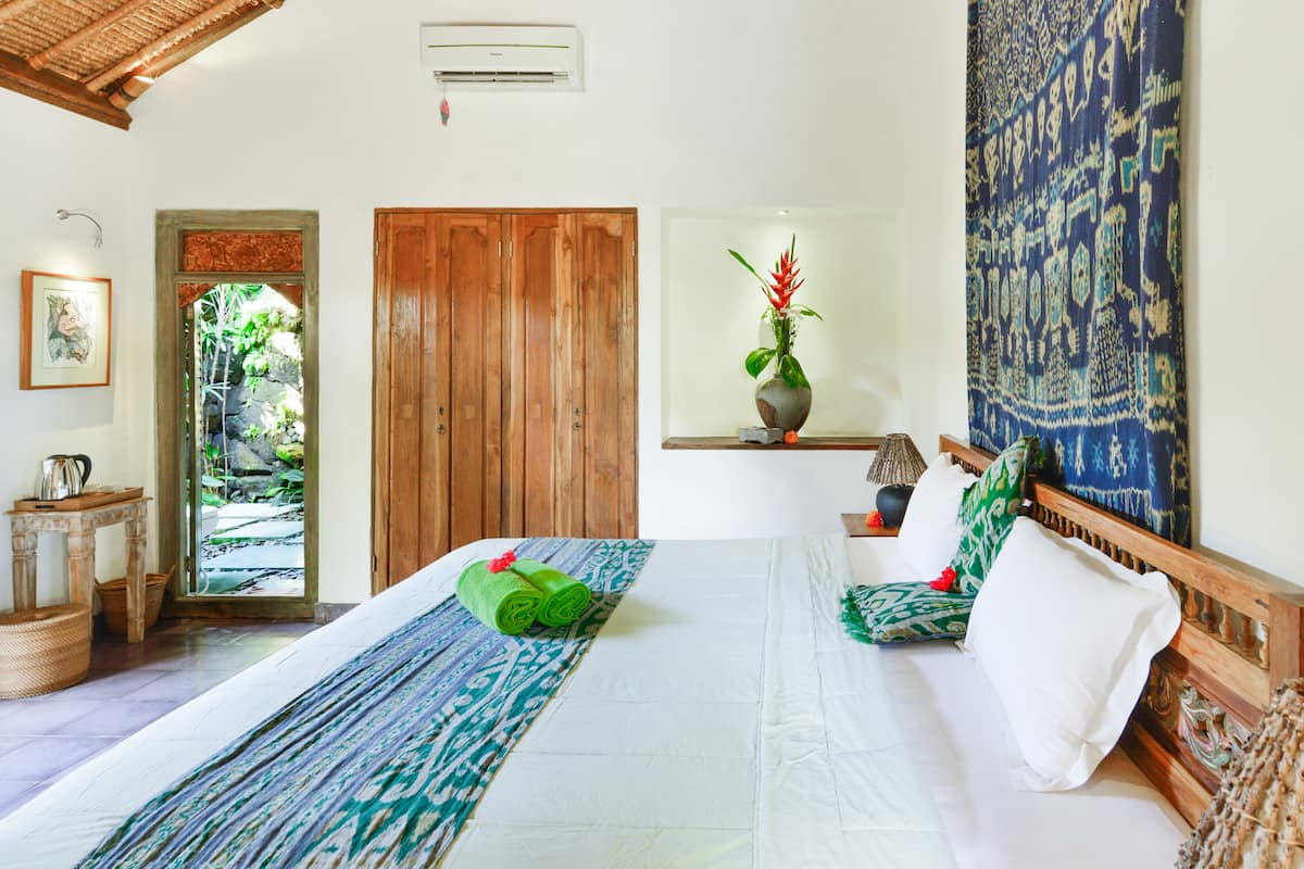 Tropical Luxury at an Authentic Penestanan Villa