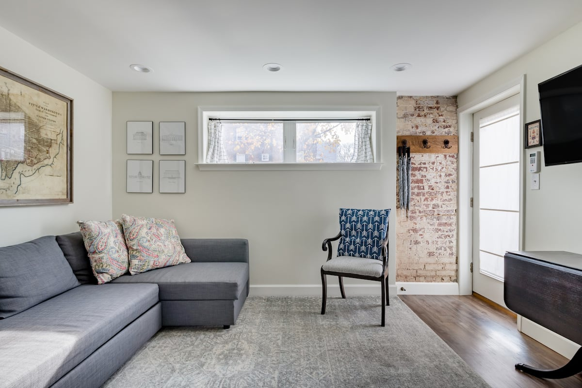 Light, Comfy Home in a Quiet Neighborhood near Capitol Hill