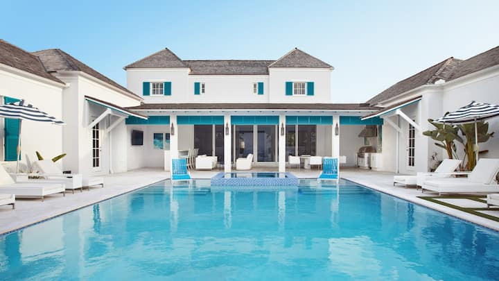 Albany Aqua Villa