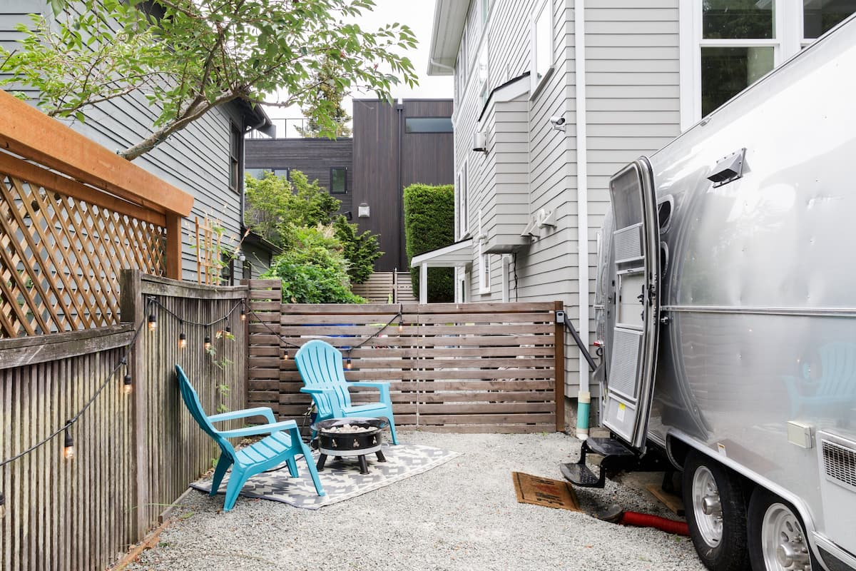 Chic & Cozy Airstream Guesthouse in Queen Anne