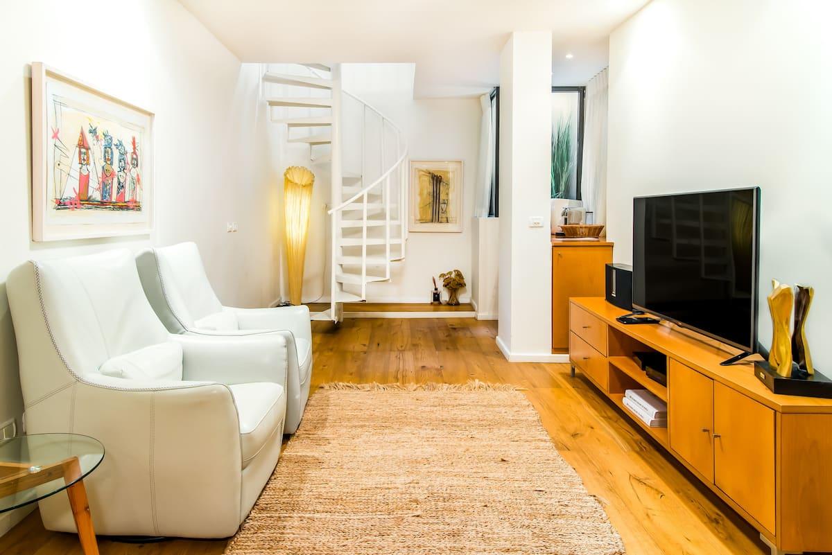 Peaceful Luxury Duplex Apartment close to Dizengoff Square