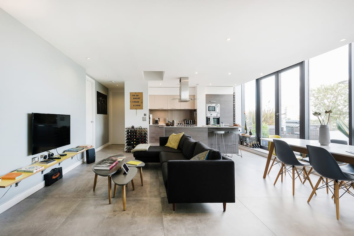 Explore Hackney from a Sleek, Modern Flat