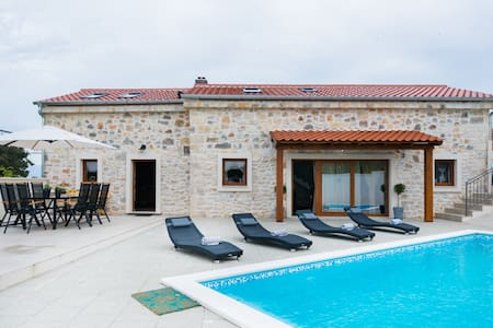 Villa Miandri—a Stone-Built Oasis of Peace and Relaxation