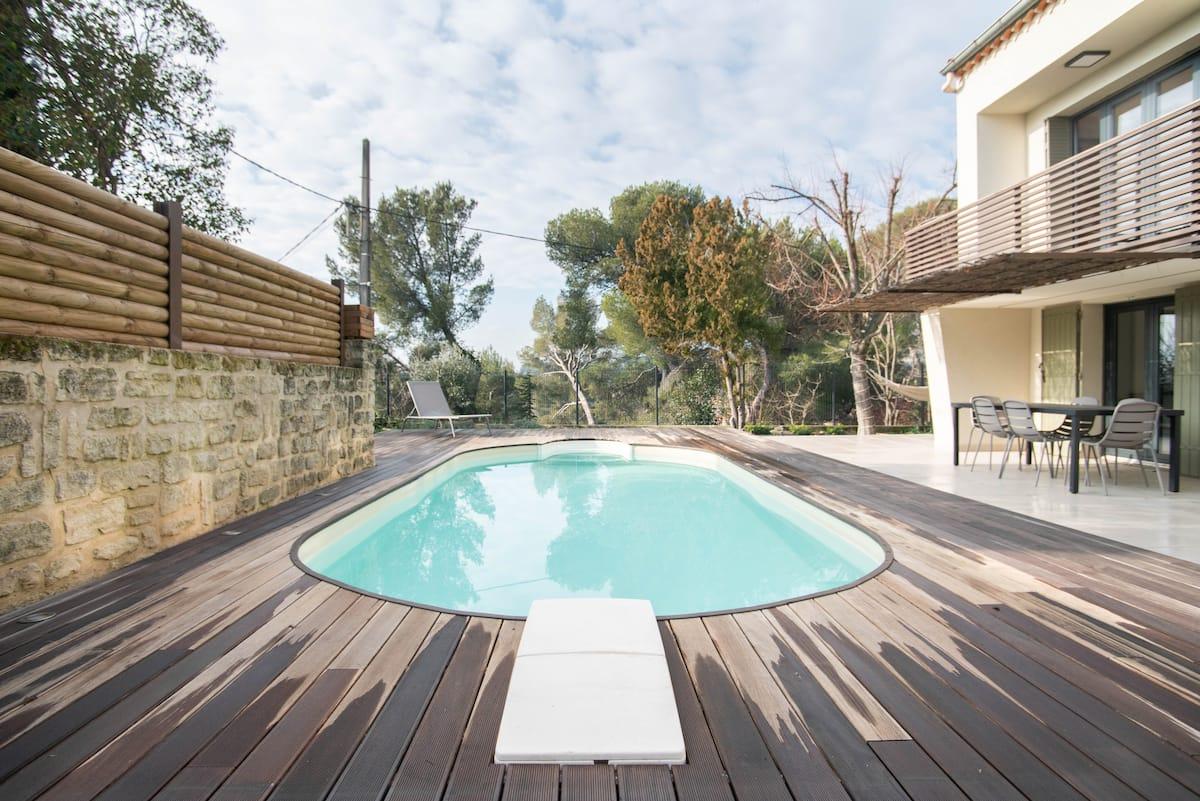 Beautiful contemporary villa at the doorstep of Avignon