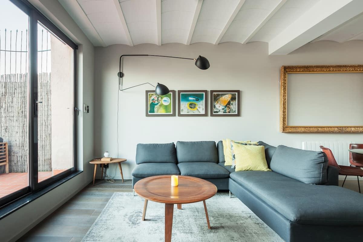 Contemporary Penthouse Apartment near Paseo De Gracia