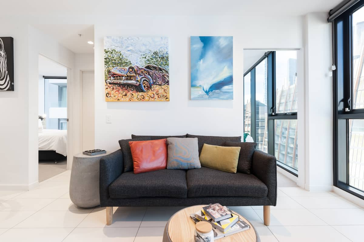 Art-Inspired Suite with Views of the City and Yarra River