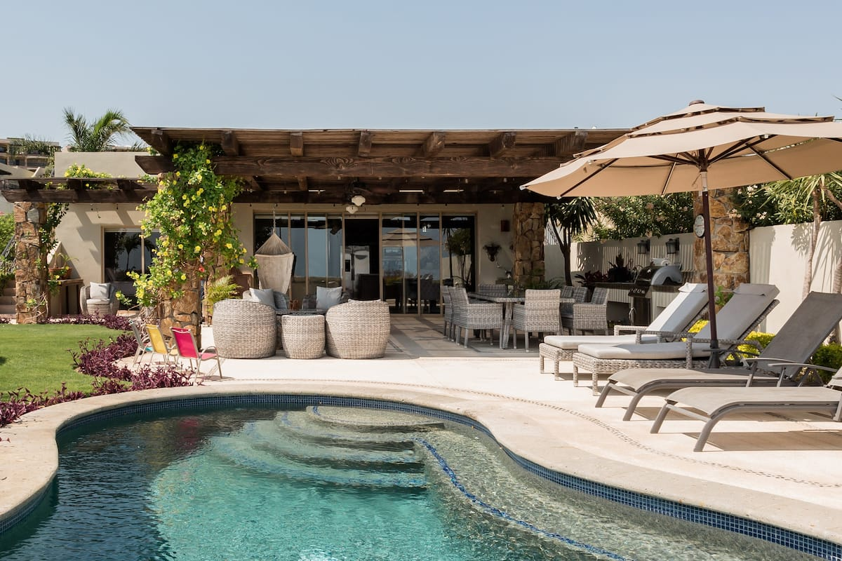 Casa Mac—Single-Level Ranch-Style Home With Private Pool