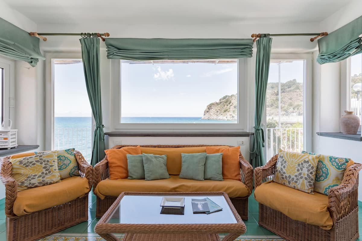 Family-Friendly Seaside House on the Sunny Island of Ischia