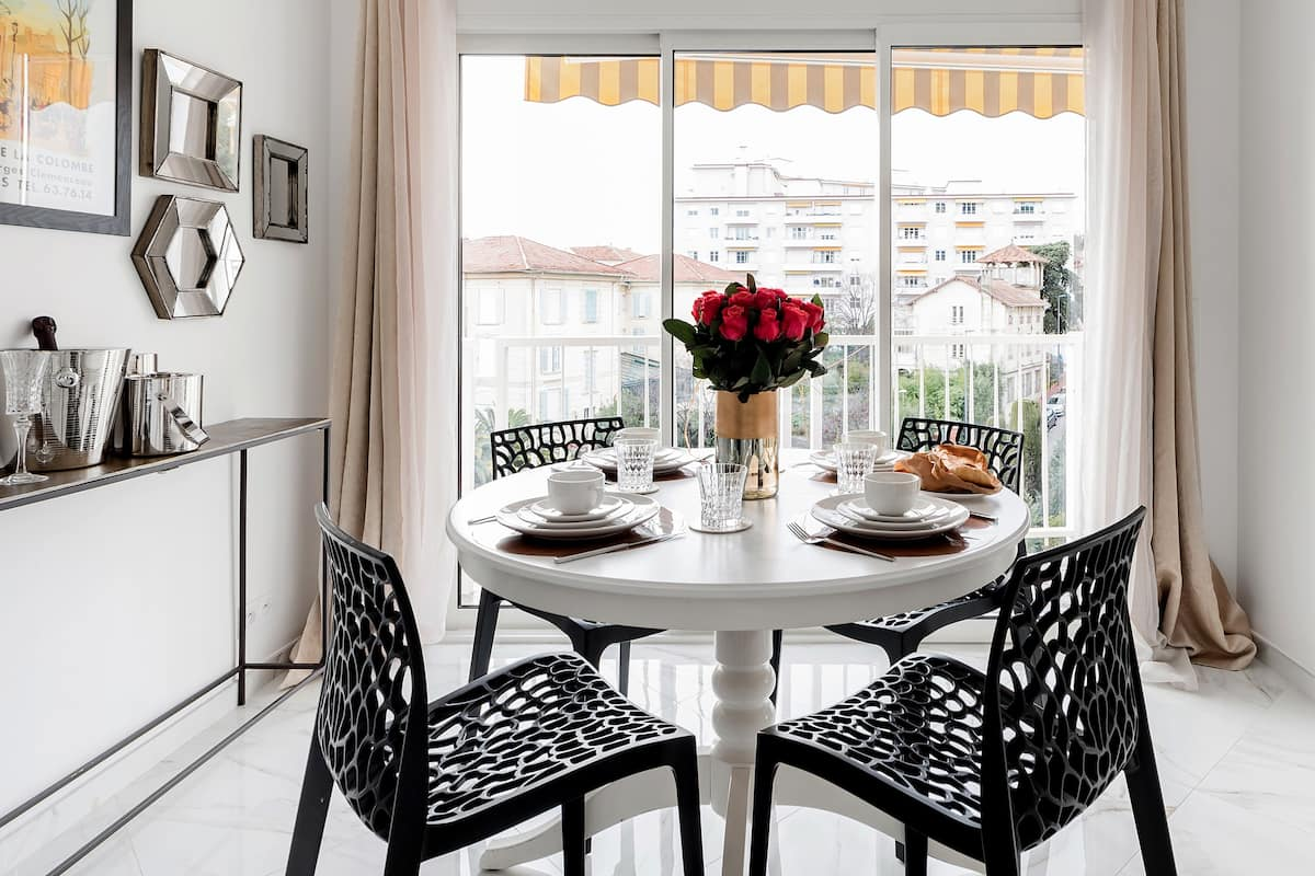 Revamped Flat in Vintage Building with Wraparound Balcony