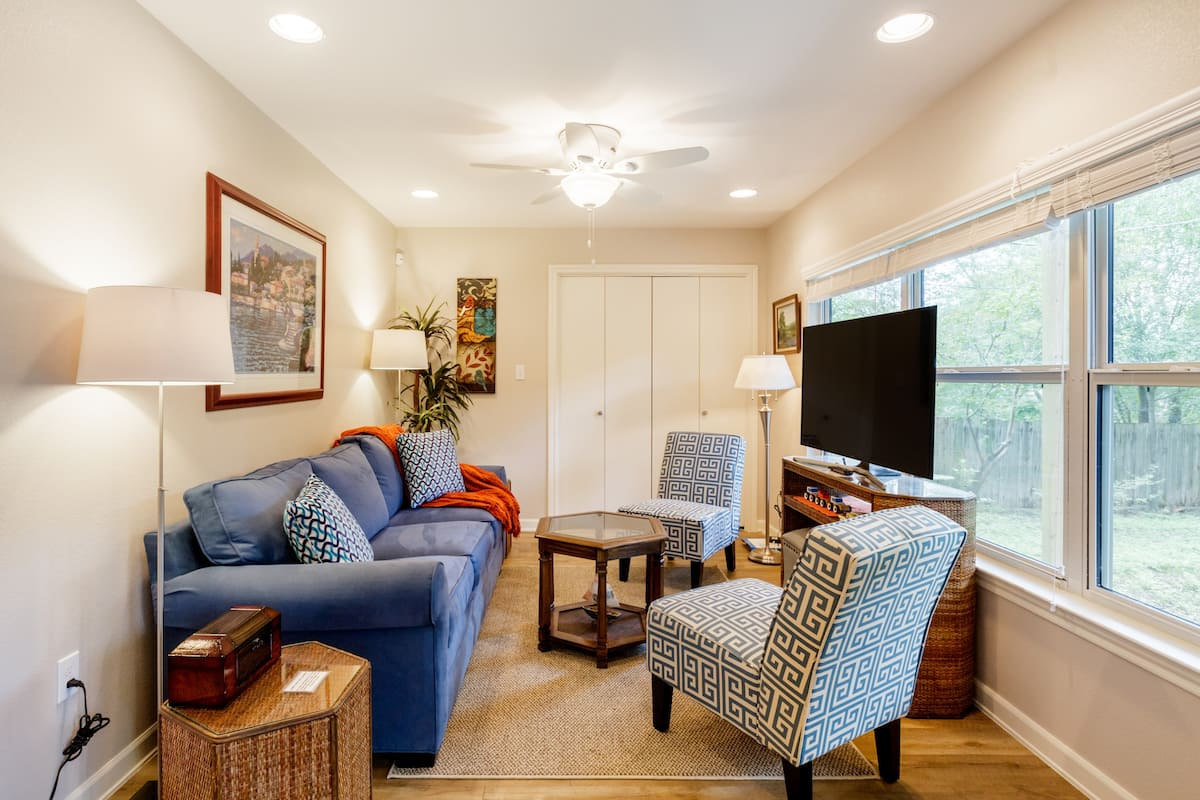 Enjoy Beautifully Renovated, Cozy Retreat near Zilker Park